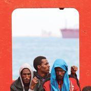 Les migrants affluent sans relâche vers les côtes italiennes