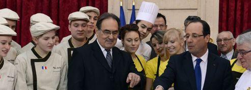 7 cadeaux des internautes du Figaro pour François Hollande