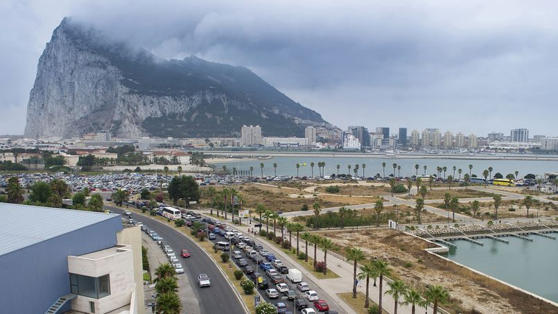 Gilbraltar, son rocher, son trafic de cigarettes