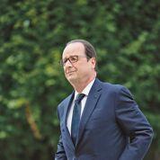 Hollande fête ses 60 ans dans la grisaille politique