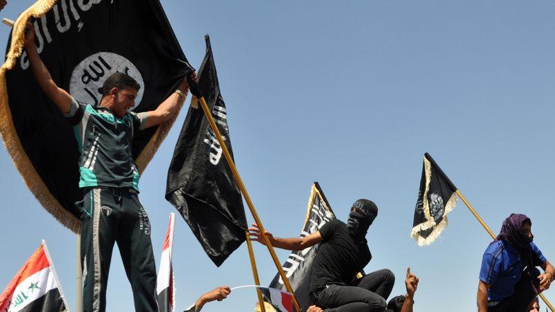Des militants islamistes en Irak, le 30 avril.