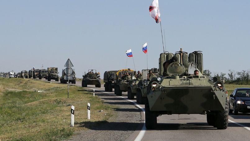 Une colonne de blindés russes, vendredi, dans la région de Rostov.