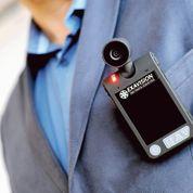 À Lille, un patron de boîte de nuit a équipé ses trois vigiles de minicaméras mobiles