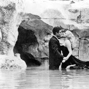 La Dolce Vita :bain de minuit à la fontaine de Trevi