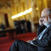 «La classe politique pourrit par la tête», note Robert Hue
