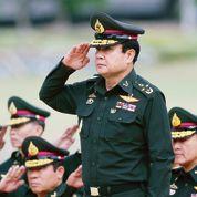 Le général Prayuth met la Thaïlande au garde-à-vous