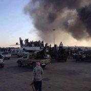 Libye: les combats armés entrent en politique