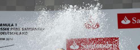 Pourquoi les pilotes F1 se douchent au champagne sur les podiums