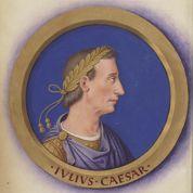 Douze Césars devant le public