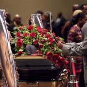 Ferguson : Michael Brown enterré dans le calme