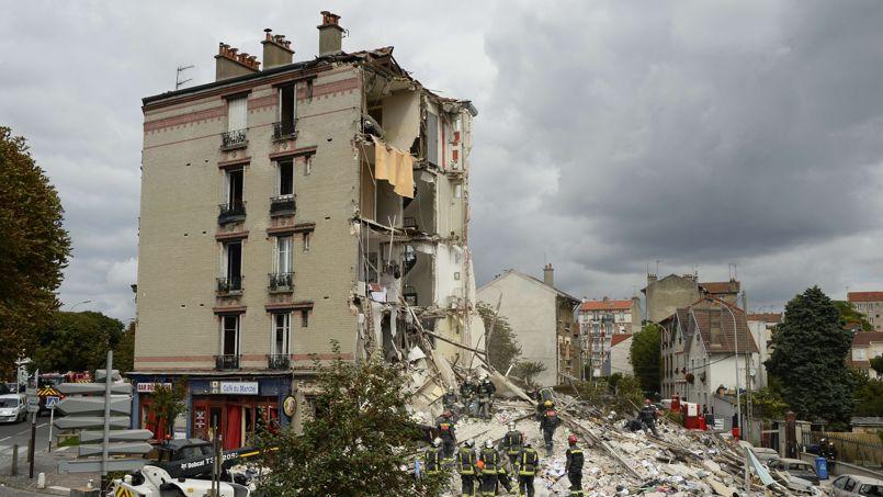 L'immeuble d'habitation s'est effondré peu avant 07h30 dimanche matin.