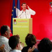 Valls défend sa ligne face aux frondeurs