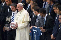 Le pape François aux stars du foot: «Dites non à toute forme de discrimination»