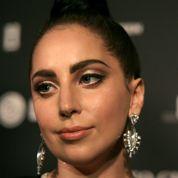 Lady Gaga accuse son label d'avoir «robotisé sa voix»