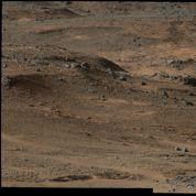 Mars: Curiosity arrive au pied du mont Sharp