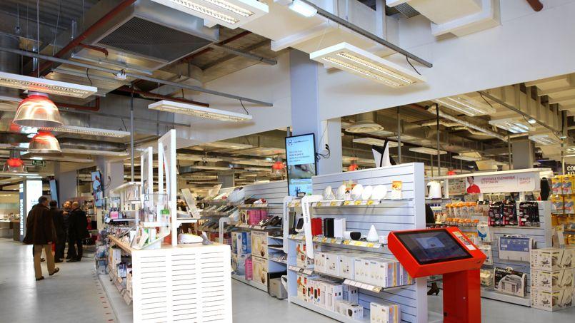 Trente magasins Darty sont notamment équipés de bornes interactives et d'écrans - Crédit photo Darty