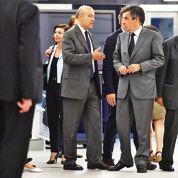 À l'UMP, les rivaux de Sarkozy continuent le combat