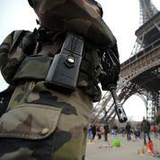 Cazeneuve: «la France n'a pas peur» face à la menace djihadiste