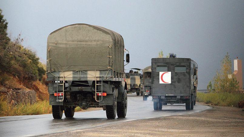 Convoi militaire de l'armée algérienne dans la région de Tizi Ouzou, au nord-est de l'Algérie, le 23 septembre.