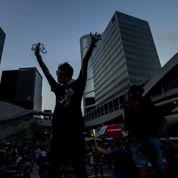 À Hong Kong, heurts entre la police et des manifestants