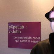Le robot mannequin qui fait de l'œil aux consommateurs