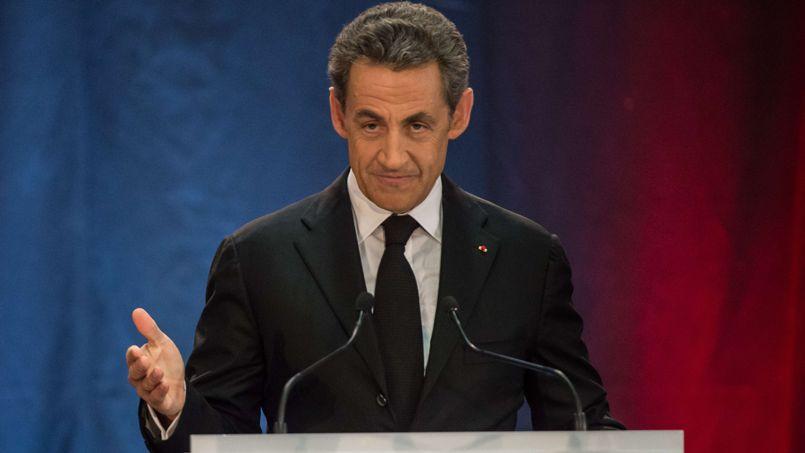 Sarkozy veut des référendums le jour des législatives