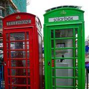 À Londres, une cabine téléphonique solaire pour recharger les batteries