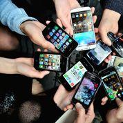 Le smartphone a-t-il tué le savoir vivre ?