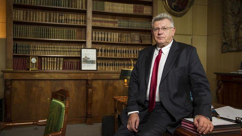 Eckert: «Les 700 millions d'économies à trouver sur les familles sont immuables»