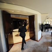 Dans les palaces, la bataille pour les salaires s'étend