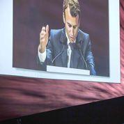 Macron critique les entreprises qui augmentent les salaires