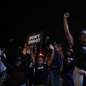 Etats-Unis: colère après la mort d'un ado tué par un policier