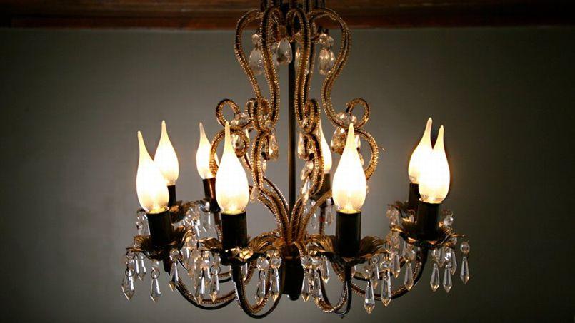 girard sudron invente l 39 ampoule led pour ch teaux. Black Bedroom Furniture Sets. Home Design Ideas