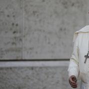Le pape François en rupture avec Jean-PaulII et BenoîtXVI