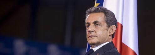 Nicolas Sarkozy soigne sa droite