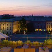 Un hôtel de luxe célèbre les 25 ans de la chute du Mur de Berlin