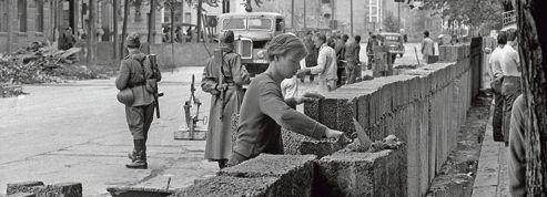25 ans de la chute du Mur de Berlin : Anne Applebaum sort Rideau de fer