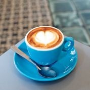 Le café frappe fortà Paris
