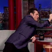 Jim Carrey vérifie qu'un animateur n'a pas Ebola