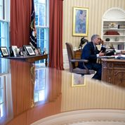 Barack Obama submergé par la vague rouge républicaine