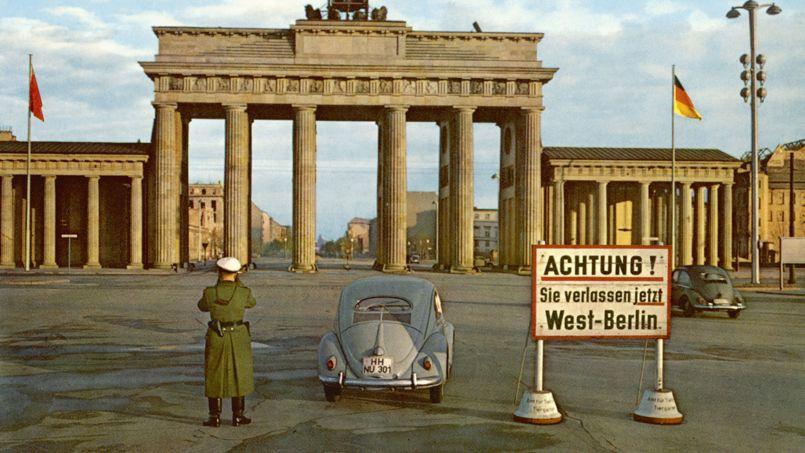 Mur de berlin la porte de brandebourg rep re incontournable - L encadrure de la porte ...