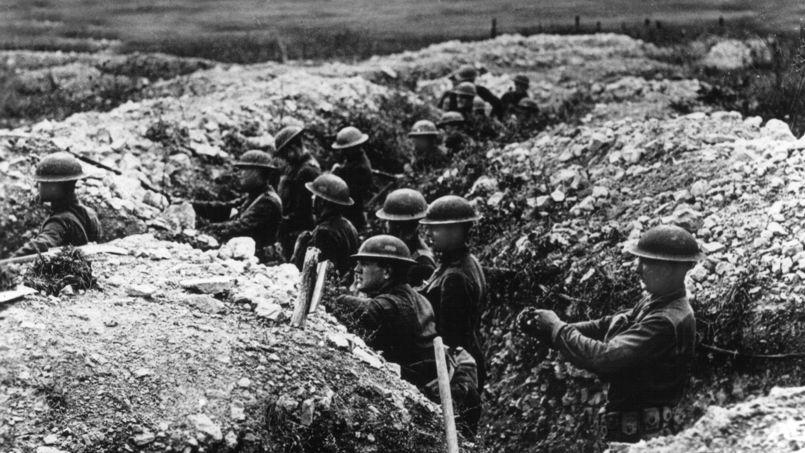 Soldats américains dans des tranchées françaises.
