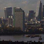 Les riches étrangers doivent payer plus pour s'installer au Royaume-Uni