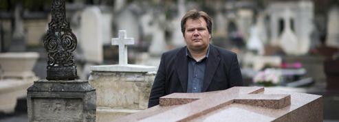 Guillaume Bailly : le croque-mort et ses si chers disparus