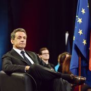 Sarkozy se pose en «point d'équilibre» de son camp