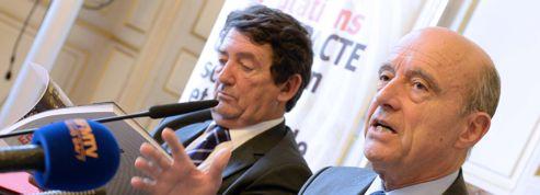 Alain Juppé, homme politique de l'année : la «juppémania» existe-t-elle vraiment ?