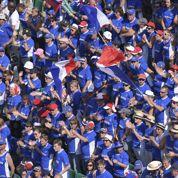 Apéritif, coq kidnappé, tifos : au cœur des supporters bleus