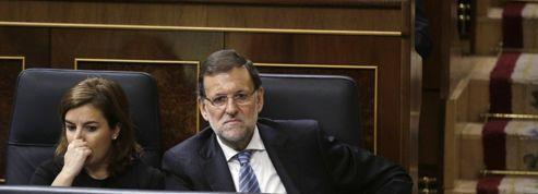 Rajoy aux prises avec le fléau de la corruption