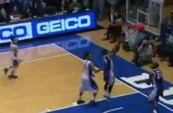 L'action offensive la plus ridicule de l'année en basket