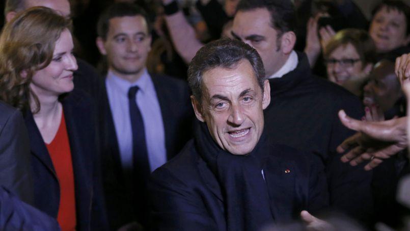 Nicolas Sarkozy, à la sortie de son QG de campagne, samedi soir.